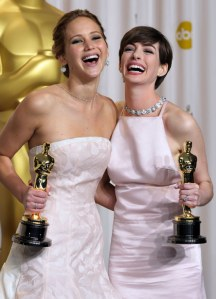 Jennifer Lawrence Anne Hathaway Oscar 2013
